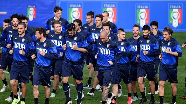 Players during Italy Training Session - Fun fact: La Nazionale an the Seleção are the only two teams to have won consecutive editions of the World Cup.