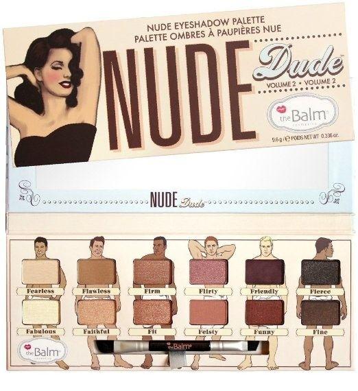 Une palette de fard à paupières emballé avec des mecs chauds. Je veux dire, nus. Les couleurs neutres. | 20 Awesome Products From Amazon To Put On Your Wish List
