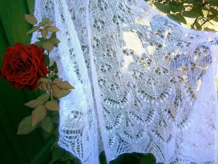 Купить Шаль Ажурная Филлерид (вязаная спицами пуховая свадебная шаль) - белый, шаль