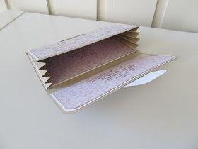 Jeg har fått spørsmål om å dele malen til Wallet cardene/ Lommebok kortene, så her kommer den:) Følger du denne malen blir det sånn: ...