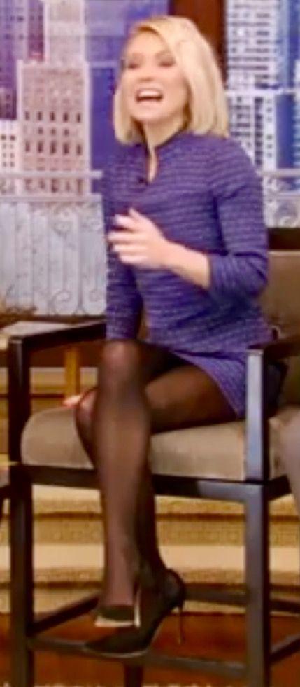 Kelly ripa wearing pantyhose