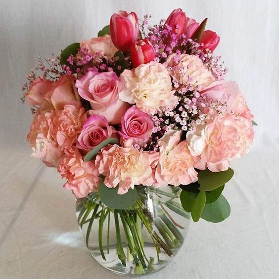 #women'sday #LOVE #florist #flowers #blooms #weddingflowers #eventflowers #weddings #events #freshflowers #flowershop #weddingplanning #flowerarrangement #floralinspiration #flowerpower #loveflowers  #pretty  #Instawedding #Instabride #Instadaily #flowergram #instaflower