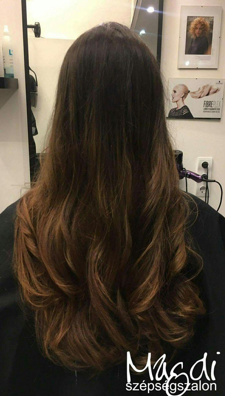 Lágy lokni, ha nem vagy oda az egyenes hajért. 😃  www.magdiszepsegszalon.hu  #haj #fodraszat #fodrász #szépségszalon #beautysalon #hair #széphaj