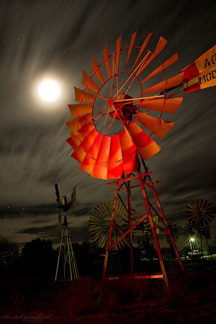 Bad moon rising ©Hendrik Groenewald Loeriesfontein, Wind mill museum, Northern Cape, South Africa