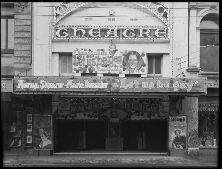 Hoyts Majestic Theatre, ca. 1932.  http://encore.slwa.wa.gov.au/iii/encore/record/C__Rb2630482__S101657PD__Orightresult__U__X3?lang=eng&suite=def