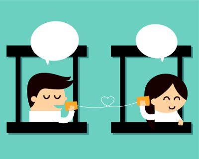 Comunicação Síncrona: é a transmissão direta de informação, que é feita pelo mesmo espaço, seja ele físico ou online.