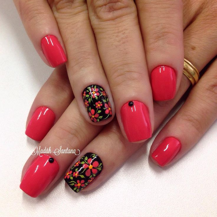 By Madáh Santana Nail Art в Instagram: «Nails #coral #filha #única #florzinha #madahsantana #manicure #nailartes #naoéadesivo #tudofeitoamaolivre #traçolivre ❤️»