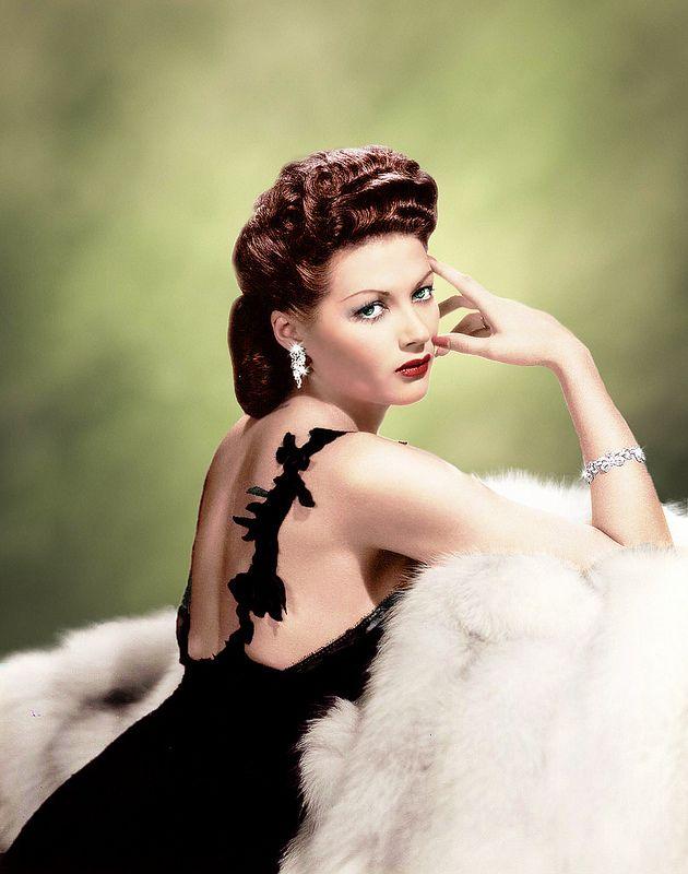 Yvonne De Carlo 1944