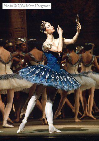 Maria Alexandrova of the Bolshoi Ballet, in The Pharaoh's Daughter.  Photo  © Marc Haegeman.