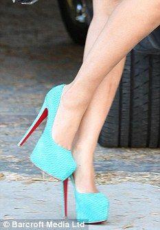 Beyonce+Louboutin+Heels | ... : Beyonce was wearing six-inch turquoise Christian Louboutin heels