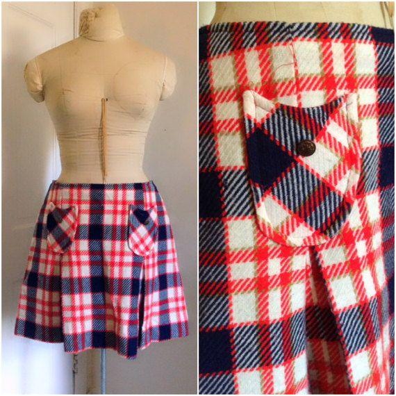 Sixties vintage mini jupe kilt à carreaux / par StrangerBirdVintage