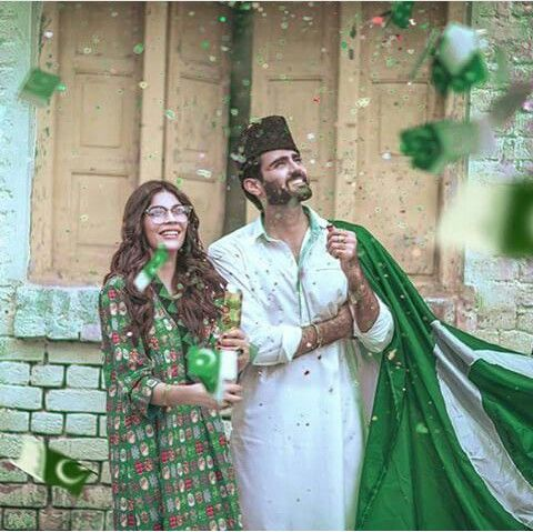 Pakistani outfits by Sapphire. Independence Day celebrations..Pakistan Zindabad!