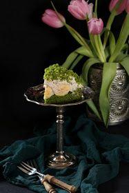 Spinach mound mole cake