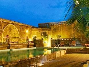 CAKRA KUSUMA HOTEL The Closest, Special Hotel to UGMJl. Kaliurang km 5,2 No. 25 Yogyakarta, IndonesiaPhone: (0274) 588 066, +62 819 0500 8000 Cakra Kusuma hotel is lodging with