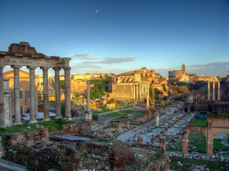 Le Forum Romain ou Forum de Rome, appelé aussi Forum Magnum ou Forum Vetus, est un forum romain situé dans le site archéologique le plus important de Rome, entre les collines du Capitole et du Mont Palatin