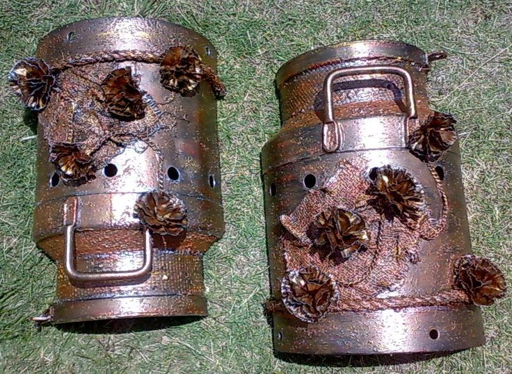 Two old milk cans re-newed with the Tokreen method!