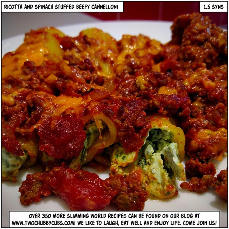 You too can make this tasty, proper Slimming World dinner of ricotta and spinach stuffed beefy cannelloni for only 1.5 syns a portion - gorgeous, yum pasta!