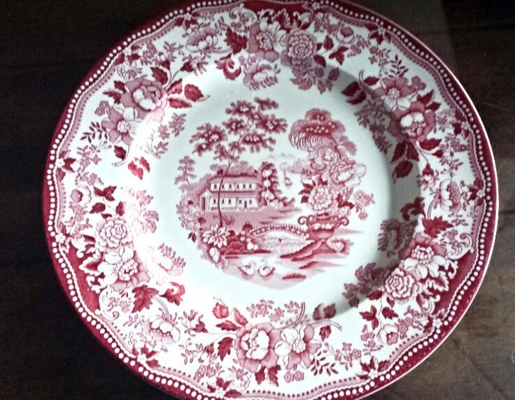 Royal Strafford shire made in England. BEAUTIFUL TO DECORATE WITH.