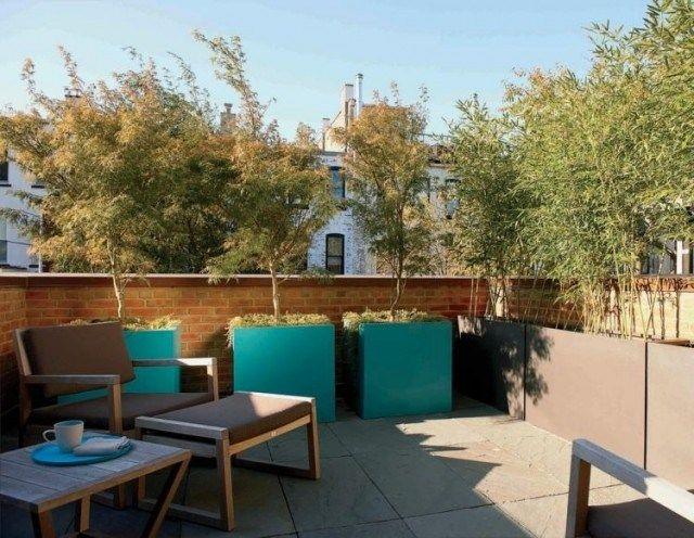 bambou-pot-terrasse-bacs-turquoise-grise-arbres-fauteuil