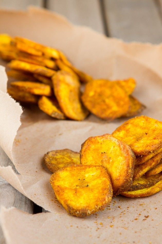 Turmeric Plantain Chips | Healthful Pursuit #paleo #grainfree #vegan