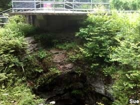 Archbald State Pothole. The largest pothole in the world. Yet another of PA's must see attractions http://bit.ly/HrafVO: Not, Archbald States, Attraction Http Bit Ly I3Nwnn, Attraction Http Bit Ly I3Oux1, Attraction Http Bit Ly Hrafvo, Attraction Http Bit Ly I0Q3B2, Glacial Pothol, Largest Pothol, Largest Glacial