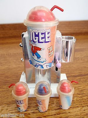 ICEE-SLUSHIE-SLURPEE-MACHINE-BARBIE-doll-size-store-market-appliance-food