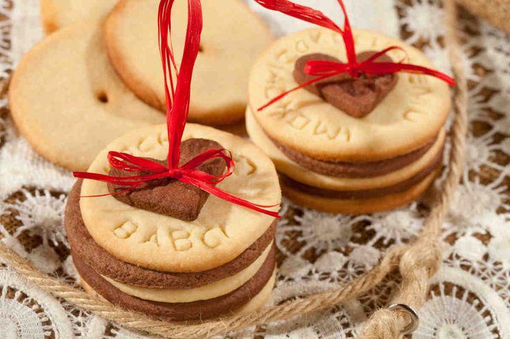 Ciasteczka maślano-kakaowe na Dzień Babci i Dziadka - wypróbuj sprawdzony przepis. Odwiedź Smaczną Stronę Tesco.