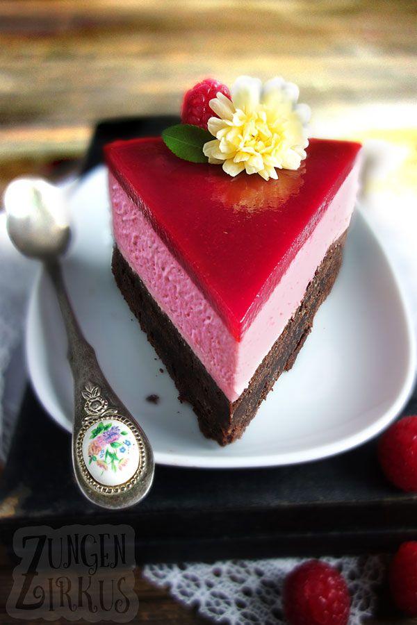 Brownie-Torte mit Himbeersahne und Himbeerspiegel – Zungenzirkus
