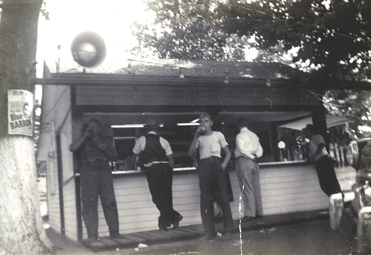 The Shady Side Canteen would later become The Chickenburger.