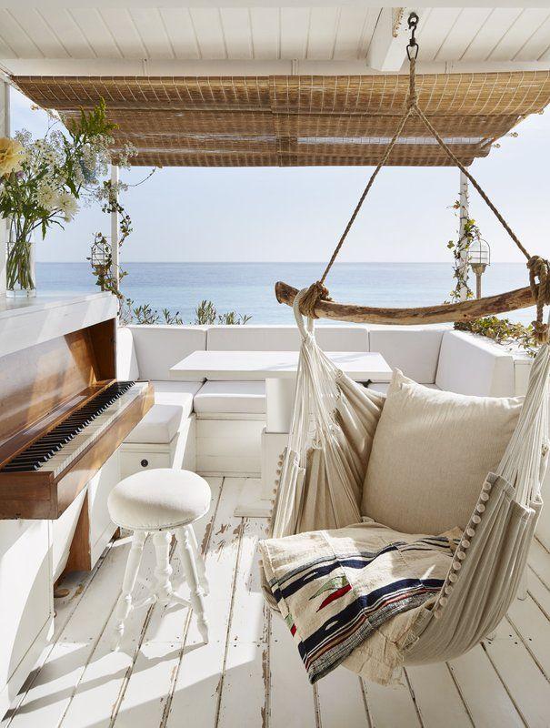 Una cabaña de película junto al mar