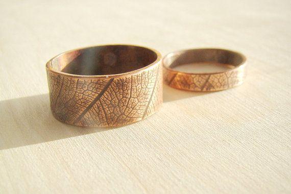 Emparejar joyas de pareja, el anillo y su conjunto, rústico martillado cobre de anillos, anillos de hojas, naturaleza vendas de boda, anillos de pareja que