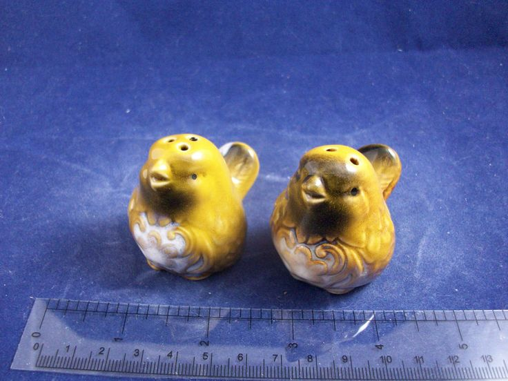 Cracker Barrel Mini Sweet Yellow Birds Novelty Salt & Pepper Shakers CB91B22 http://stores.ebay.com/snpshakers
