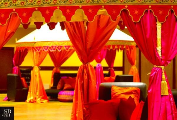 Absolutely admire the look of these indoor Tents. Fallen in Love with the striking bright hues of the silk curtains.