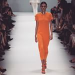 Pop of colour from @manningcartell on the runway at @mbfweekendedition
