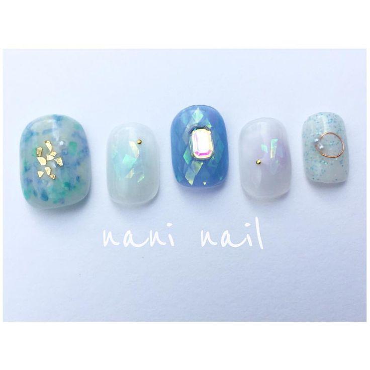 新しいパーツやらを たくさん買ったので♡  前に青色でネイルをリクエストしてもらって 青にはまりました  青色って素敵な色ですね♡  今日は旦那さんが1年ぶりくらい?! にしゅうごの寝かしつけを してくれてます☺️ さて、寝てくれるかーなー  #nails#nail#nailart#newnails#nailaddict#nailgram#gel#gelnail#gelnaildesign#gelnails#fashion  #summernail #ベトロ#夏ネイル#vetro#シェルネイル#ホログラムネイル#ブルーネイル#パールネイル#ラメネイル#ワイヤーネイル#ニュアンスネイル