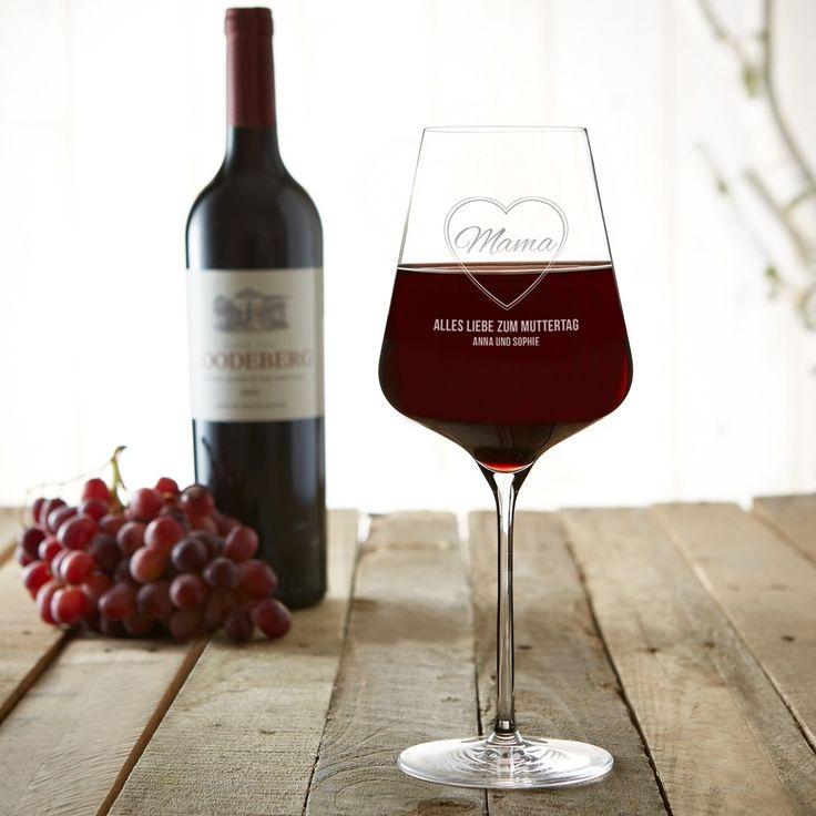 Jetzt individuelles Weinglas gravieren! Das perfekte Geschenk zum Muttertag: Unser Weinglas mit Gravur. #Rotweinglas #Mama #Muttertag #Gravur #Geschenk #Geschenkidee