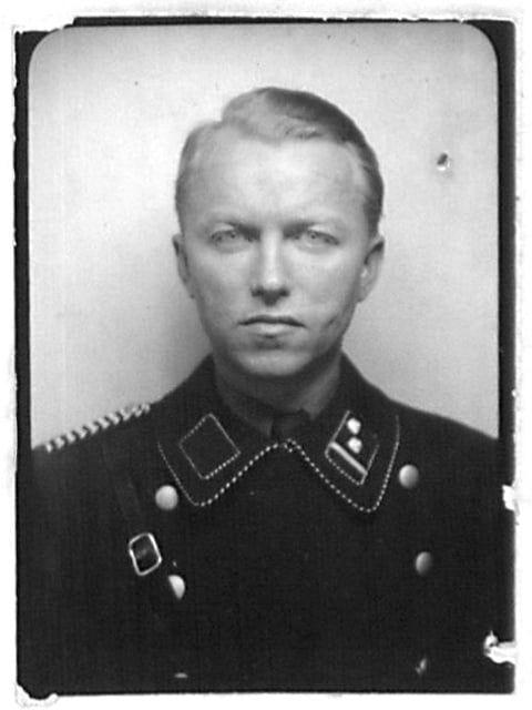 (Fehlis) Генрих (1906—13.5. 1945), руководящий сотрудник СД, оберфюрер СС и полковник полиции. Получил высшее образование, доктор права. В 1933 вступил в НСДАП и в 1935 был переведен на службу в гестапо. После оккупации германскими войсками Норвегии, направлен в эту страну в составе эйнзатцкоманды СД. В нояб. 1940 занял пост командующего полицией безопасности и СД в Осло.