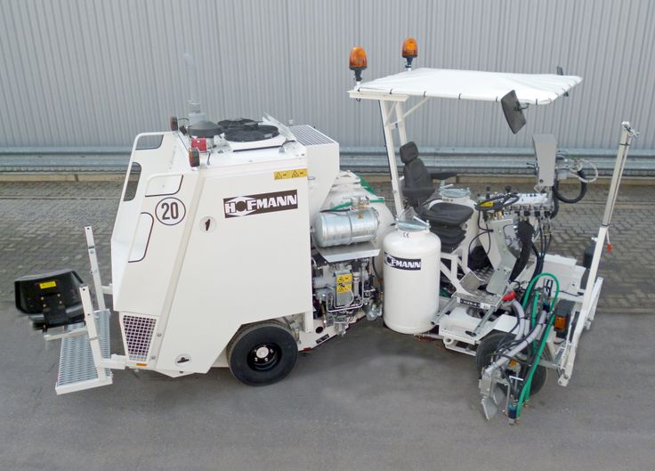 HOFMANN H25-4 road marking machine for cold paints. Narrow and extremely manoeuvrable machine with laterally adjustable cockpit to the right side therefore high visibility during centre and edge line marking operations http://www.hofmannmarking.de/en/galerie.php?bereich=p&id=44