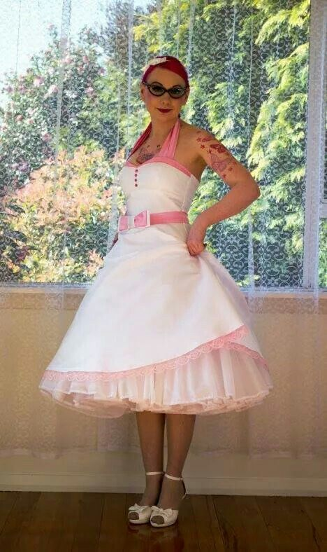 Pin up fashion!   http://pinup-fashion.nl/pixie-pocket-vintage-rockabilly-trouwjurken/1763