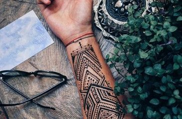 Тату хной в домашних условиях. Как сделать роспись мехенди на руках и ногах по трафарету