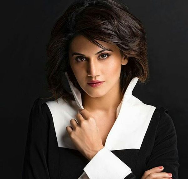 Isn't it look gorgeous @taapsee pannu 😍 share with us what u think about this look ?   #taapseepannu #blackandwhite #photoshoot #photooftheday #gorgeous #newlook #confident #ghazi #upcoming #movie