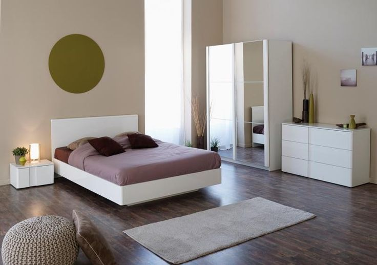 Sienna lacquer bed with suspended bedside cabinets in white lacquer