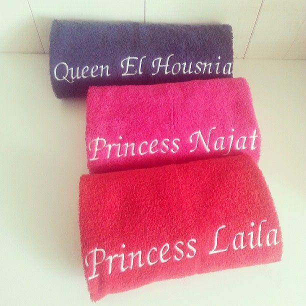 embroidered towels - towels with embroidered names - geborduurde handdoek - handdoeken met naam