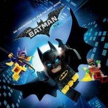Grandi cambiamenti fervono a Gotham e se Batman vuole salvare la città dalla scalata ostile del Joker, deve abbandonare il suo spirito di giustiziere solitario e cercare la collaborazione degli altri e, forse, imparare a prendersi un po' meno sul serio.