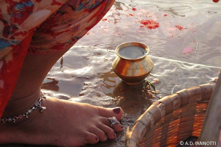 Praying the water at the Ganges river by A.D. Iannotti on 500px