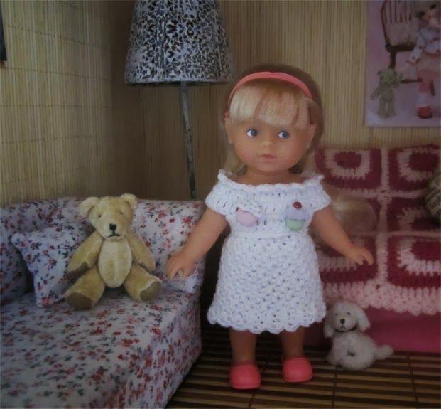 A mini dress corolline
