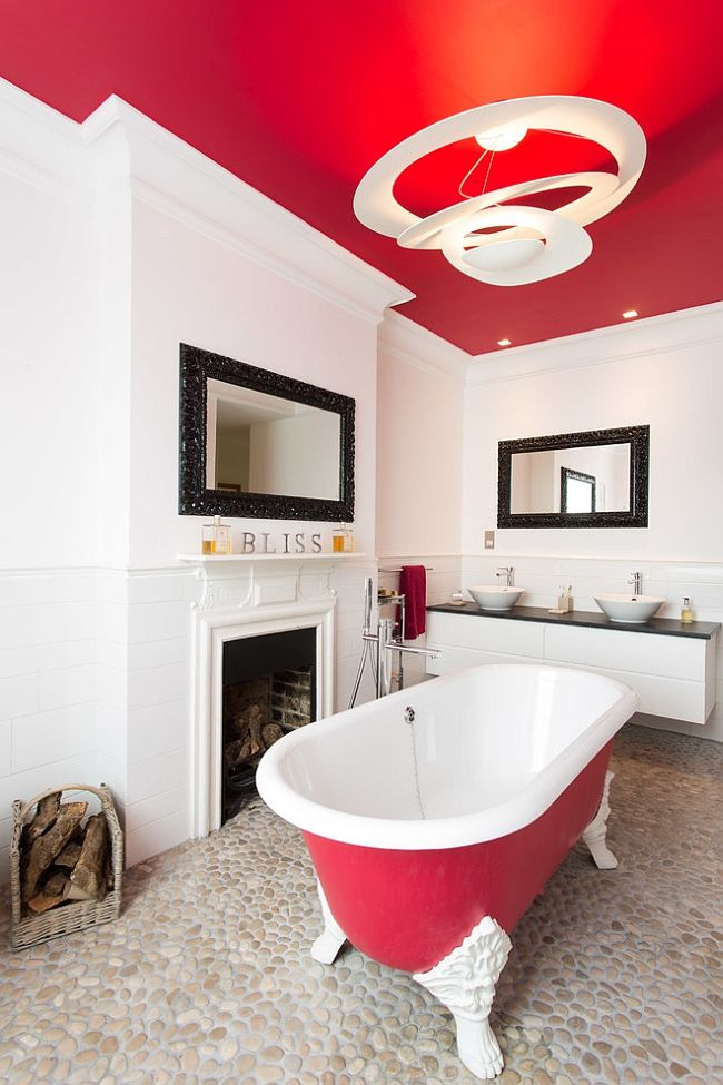 Red ceiling and the claw-foot bathtub stand out with ease [Design: Architect Your Home - Interior Your Home]