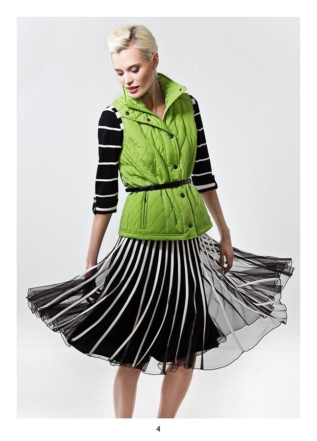 Wonderful skirt in mesh with satin ribbons. KRISS Sweden