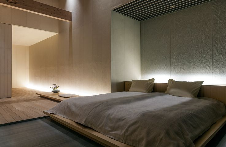 Beautiful calm and serene bedroom inside the Fujiya Ginzan hotel by Kengo Kuma. Photo by Jonathan Savoie Architecture.