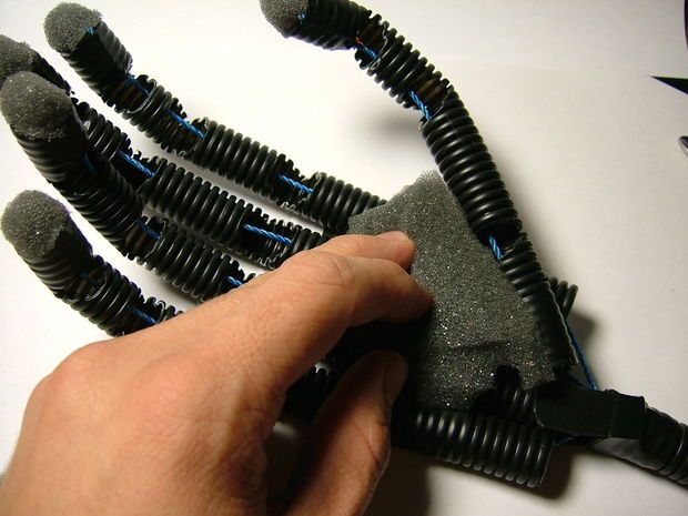 Instructable for a robotic hand.